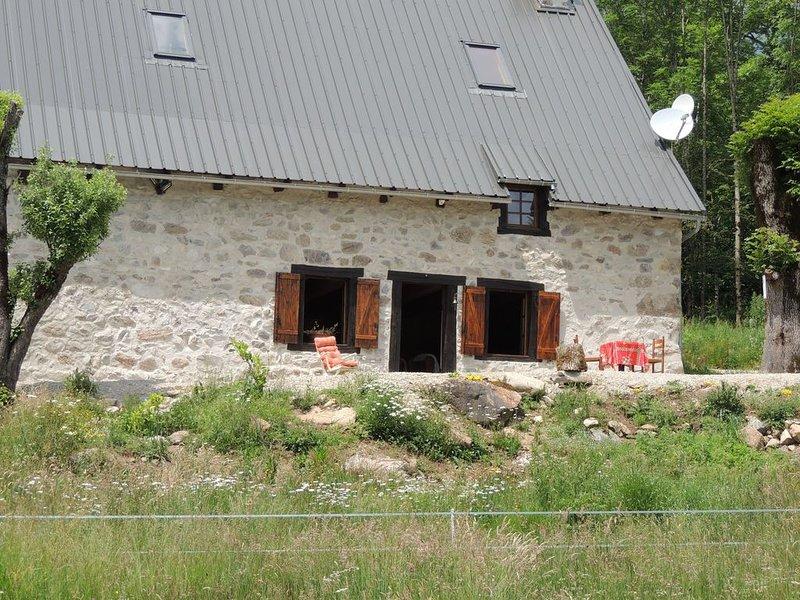 Ferme rénovée entre bois et prairies, location de vacances à Saint-Genès-Champespe