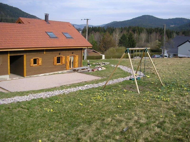 Chalet au calme, proche du lac de Gerardmer, holiday rental in Liezey