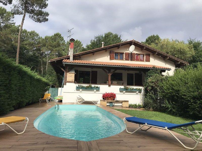 Bassin d'Arcachon.Villa avec piscine. Belles prestations. Le Teich, aluguéis de temporada em Le Teich