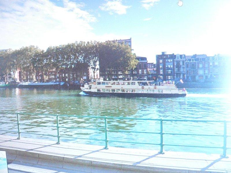 LIEGE   centre ville  APPARTEMENT quai Godefroid kurth 13/60 4020 LIEGE, location de vacances à Trois Ponts