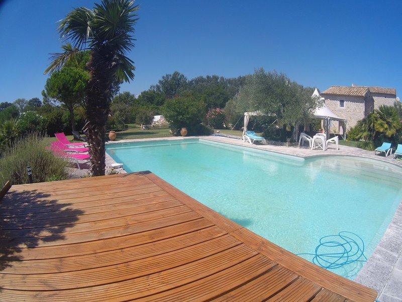 LOFT romantique dans Mas provençal du  18ème, vacation rental in Pierrelatte