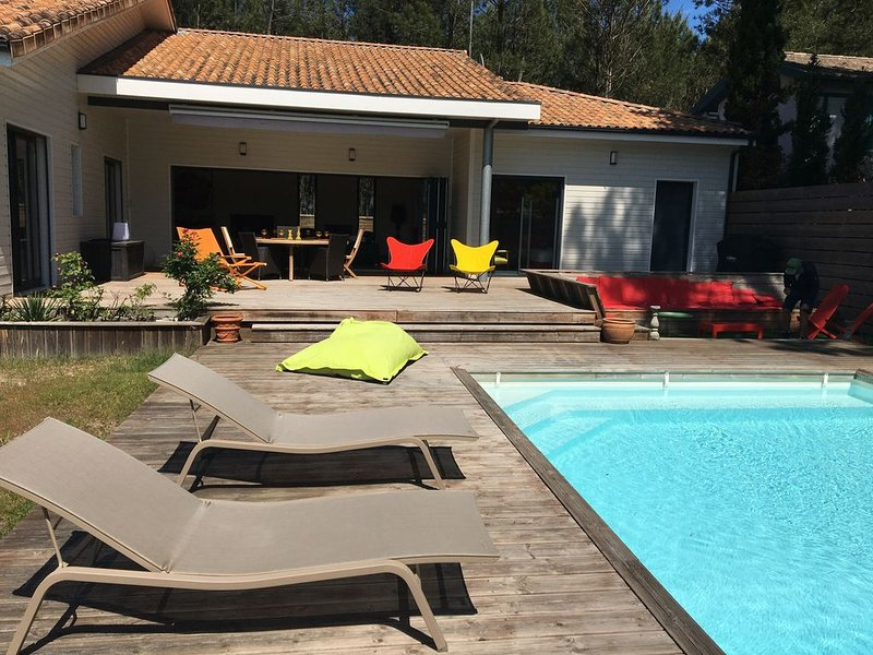 Villa  4 *, moderne , paisible proche plages, golf, forêt; piscine chauffée., holiday rental in Moliets et Maa
