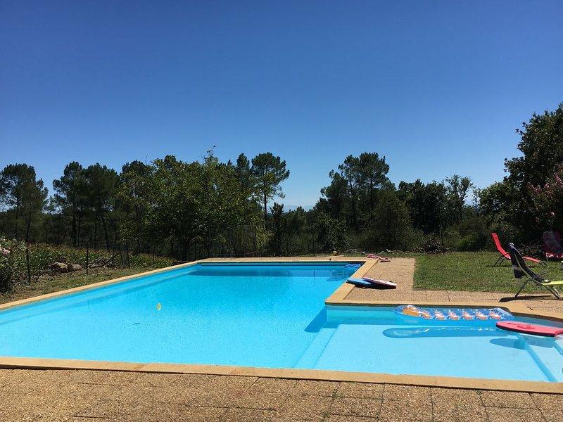 Magnifique ferme landaise XVIIIème siècle, avec piscine, 16 personnes, casa vacanza a Heugas