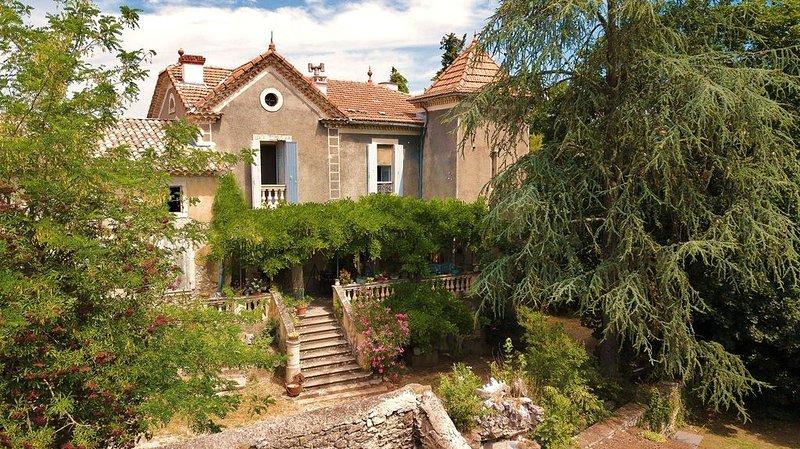 'Cantemerle' maison de caractère à Goudargues au coeur de la Vallée de la Cèze, aluguéis de temporada em Goudargues