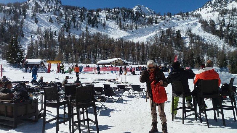 Appartement 45 m2 , 5 personnes, skis aux pieds, aluguéis de temporada em Sant'Anna di Valdieri