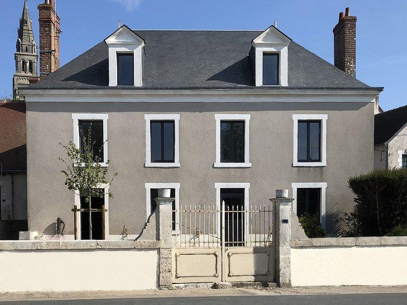 CHEZ LULU, maison de bourg vue sur le Beuvron, holiday rental in Chaumont-sur-Loire