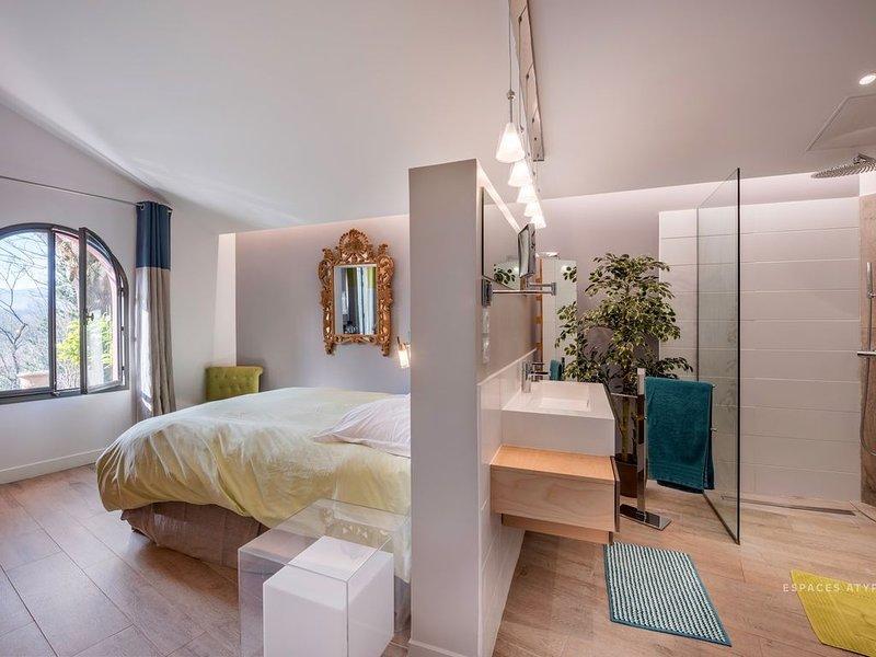 Appartement / Suite de standing  dans très bel environnement, aluguéis de temporada em Charnay