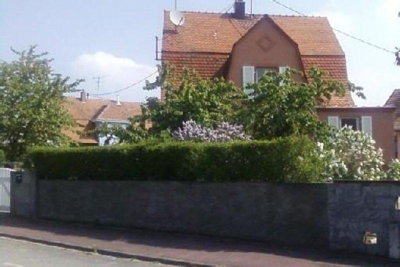 Maison Gite avec jardin 6 personnes entre Mulhouse et Colmar, aluguéis de temporada em Guebwiller