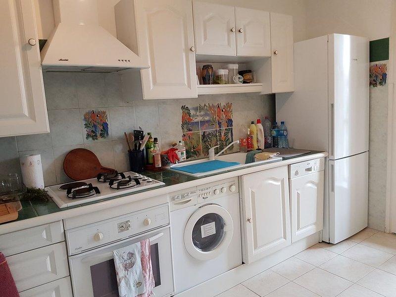 Appartement 4 Pièces 90 m² + Terrasse. Face aux plages, vacation rental in Ile de Bendor
