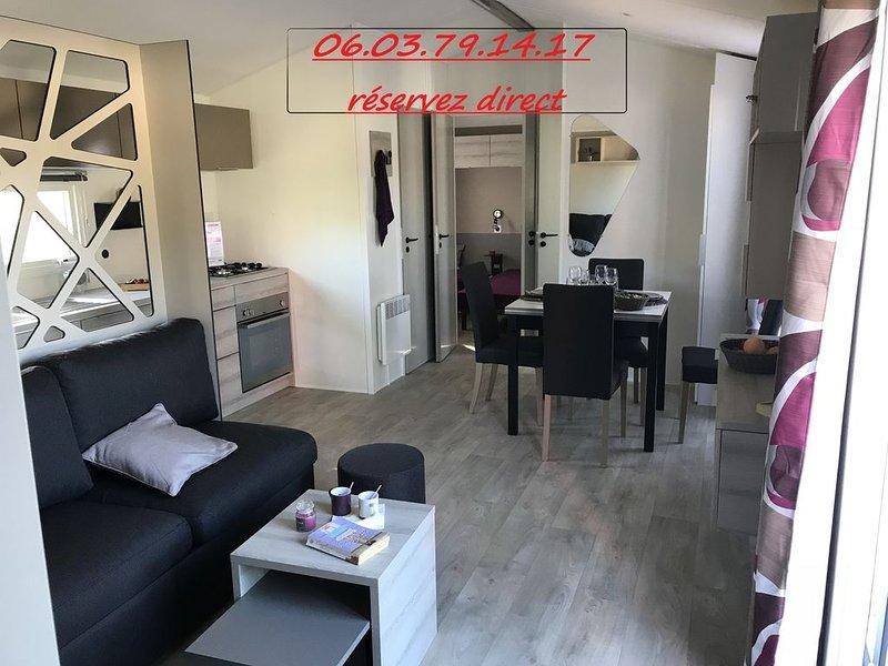 Camping la Pignade **** Mobil home neuf de luxe climatisé avec terrasse, vacation rental in La Tremblade