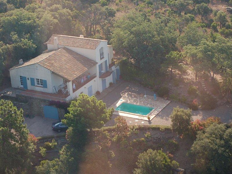 Belle et grande Villa avec piscine et vue exceptionnelle, location de vacances à Rayol-Canadel-sur-Mer
