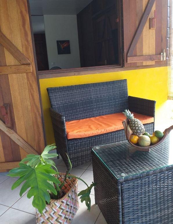 Hübsche Terrasse mit funkelnden Farben