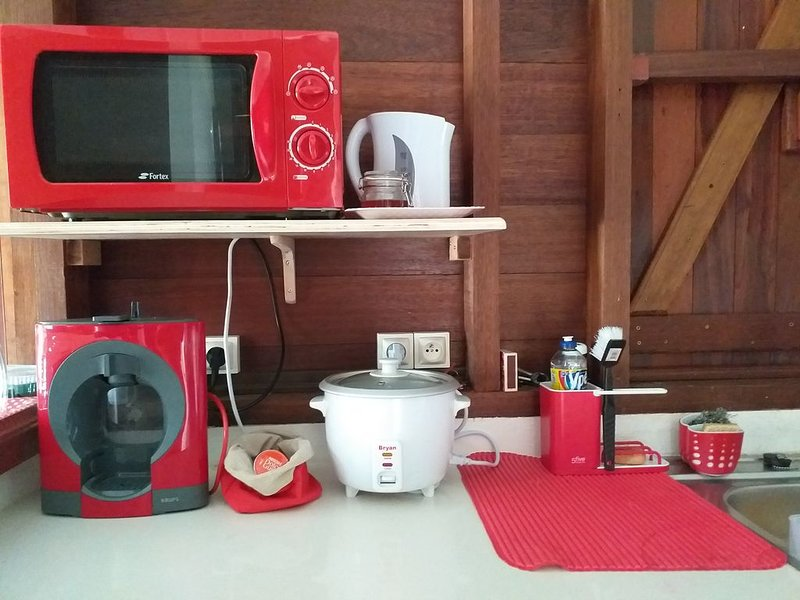 Volledig ingerichte en moderne keuken