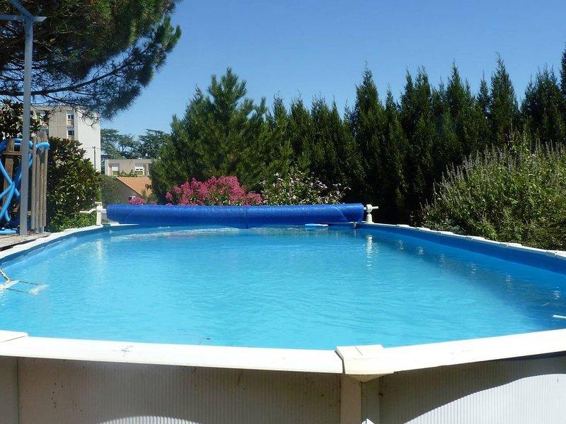 Gîte indépendant en Ardeche Verte, holiday rental in Roisey