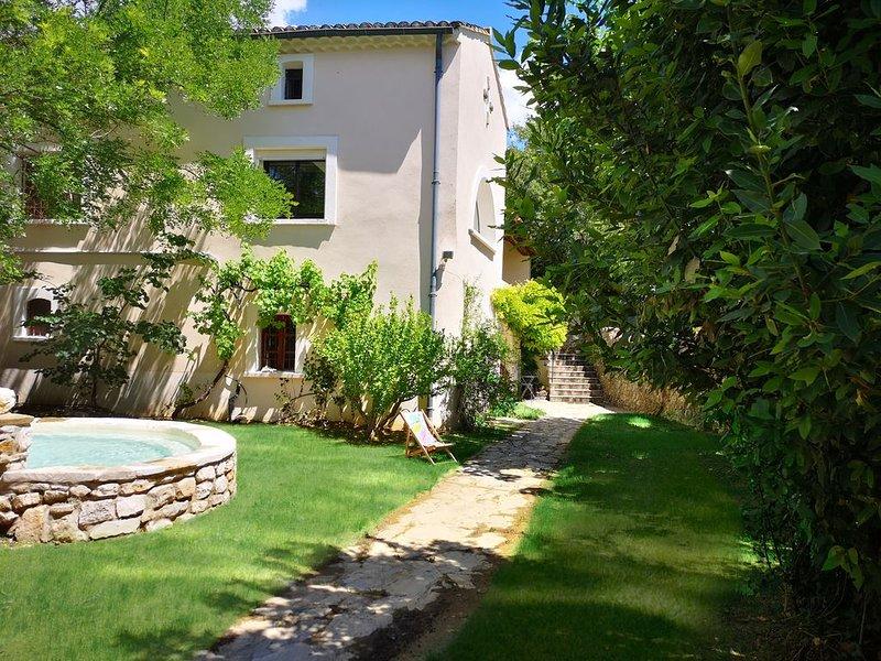 Maison de caractère au milieu des vignes, holiday rental in Sainte-Anastasie