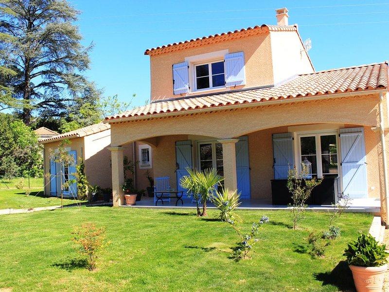 GITE indépendant au 1er étage avec terrasse et accès privés., aluguéis de temporada em Saint-Julien-de-Cassagnas