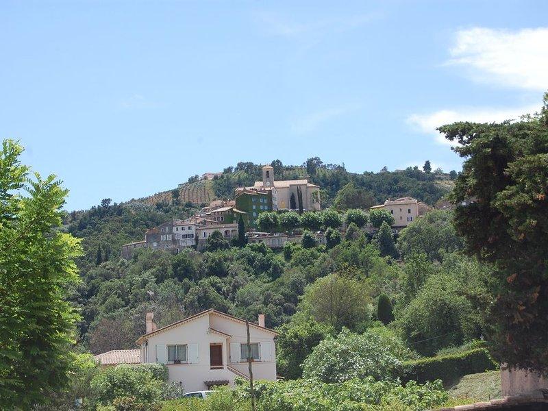 Gite indépendant 4 personnes à Auribeau/Siagne avec terrasse-barbecue, holiday rental in Auribeau-sur-Siagne