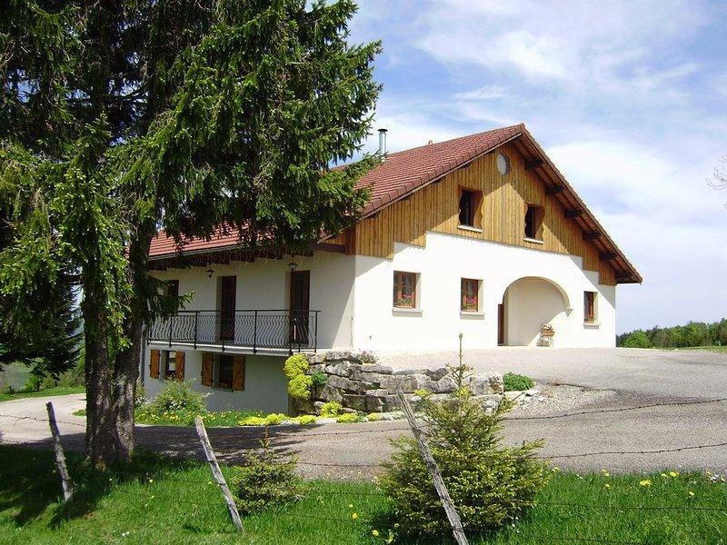 Gîte dans maison, pleine nature, Franche-Comté, proximité de la Suisse, holiday rental in Les Ponts-de-Martel