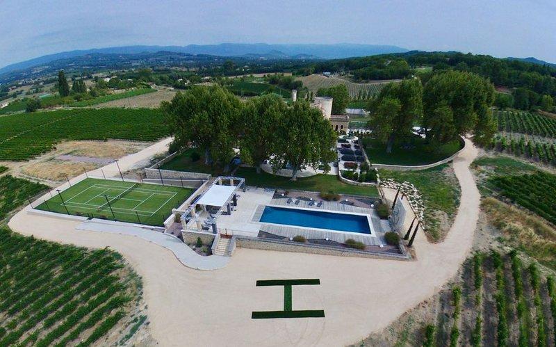 La Grande Bastide du Domaine Luccia, holiday rental in Bonnieux en Provence