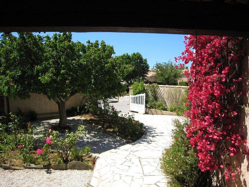 Maison + piscine quartier très calme centre 5mns à pied, plage 5mns en voiture, casa vacanza a La Londe Les Maures