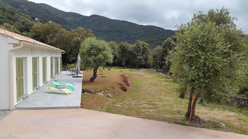Villa neuve et moderne proche des plages, holiday rental in Ogliastro