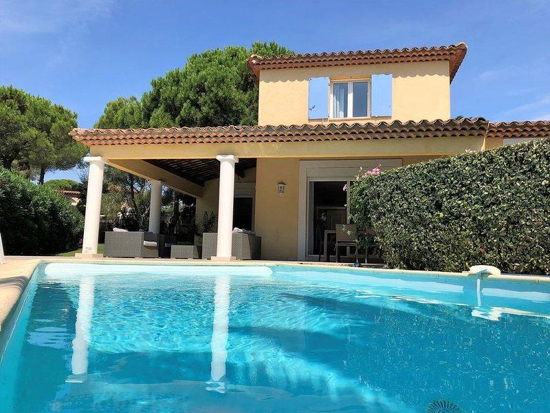 Belle villa à 2 minutes à pied de la plage, holiday rental in Sainte-Maxime