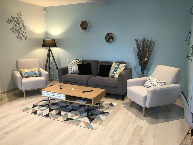 Au 24, maison jusqu'à 6 personnes (travail ou loisir), vacation rental in Saint-Julien-du-Sault