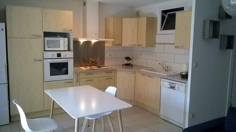 Appartement T1 A Louer à la semaine (60m2) Méze  à 15' de Balaruc et Sete, vacation rental in Meze