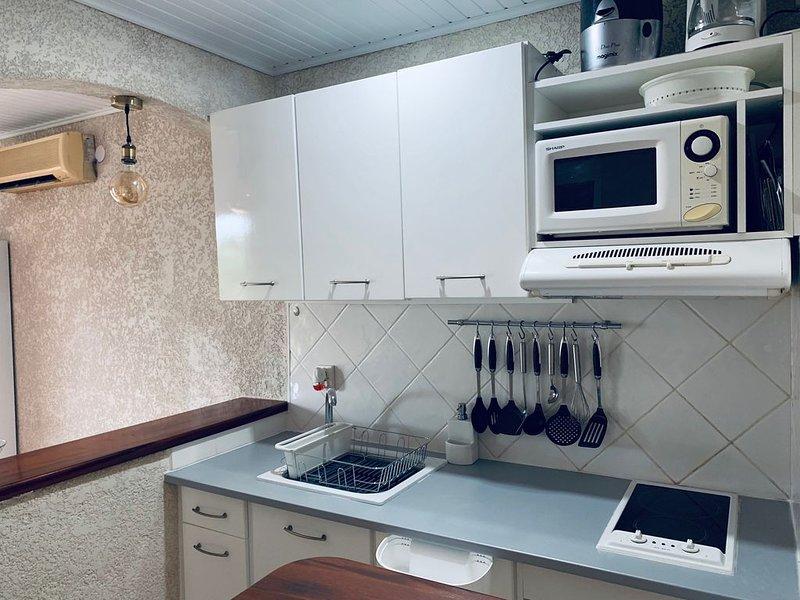 CHARMANT  F 2 BAS DE VILLA  POUR VOS VACANCES EN GUADELOUPE, casa vacanza a Lamentin