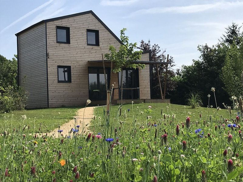 Eco Gîte - maison 6 personnes - Périgord Noir (proche Sarlat-Lascaux-Dhagpo), holiday rental in Rouffignac-Saint-Cernin-de-Reilhac