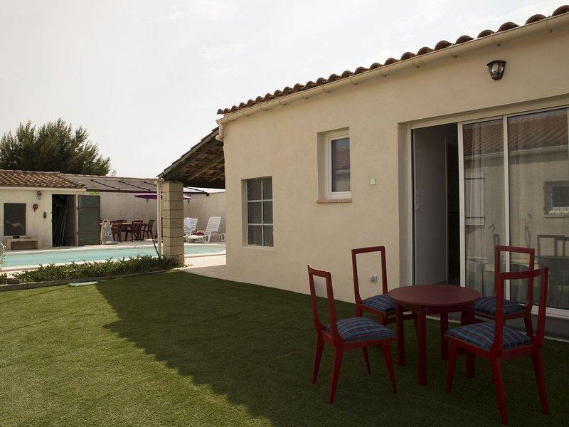Studio indépendant l'Obrador 25 m2, vue jardin & terrasse + accès piscine, holiday rental in Rieux Minervois