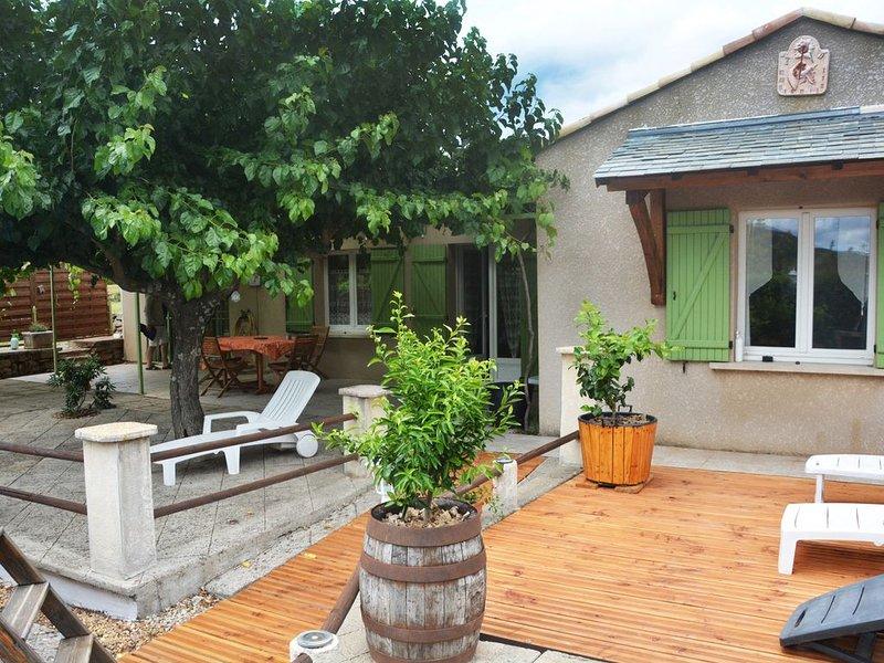 Gite et Endroit très calme, vacation rental in Les Salelles