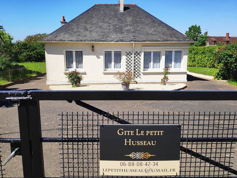 Gite dans le Val de Loire  proche des Chateaux de la Loire, holiday rental in Montlouis-sur-Loire
