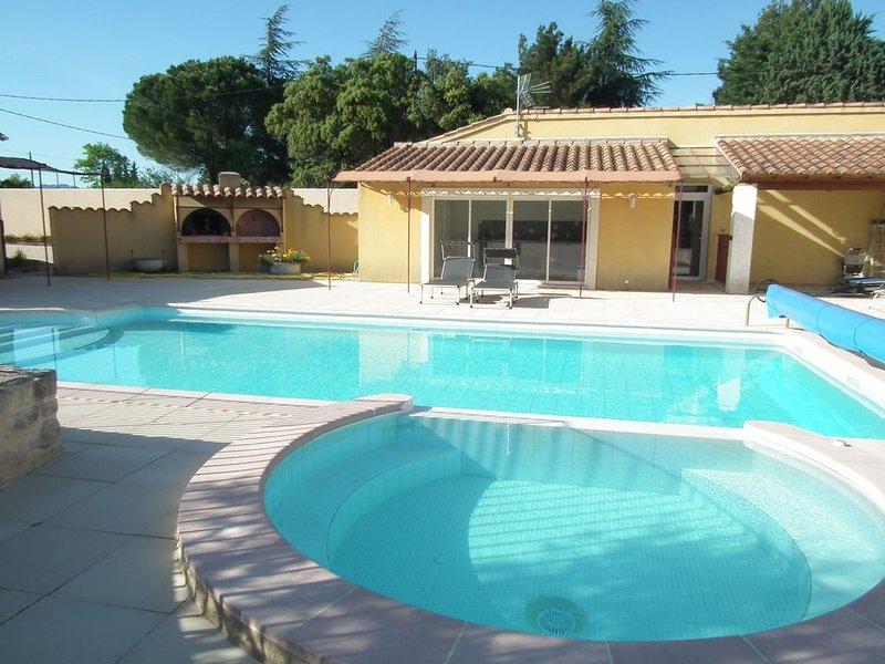 Villa tout confort 11Km du Mont Ventoux,25 Km Avignon et Lubéron, vacation rental in Carpentras