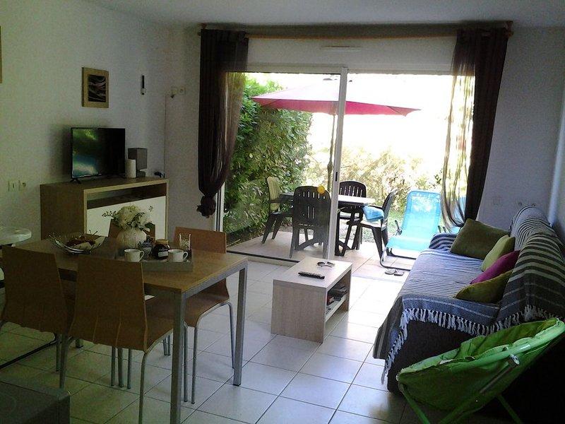 Appt 5 pers Résidence 3*** entre la Cité de Carcassonne et la Mer Méditerrannée, location de vacances à Azille