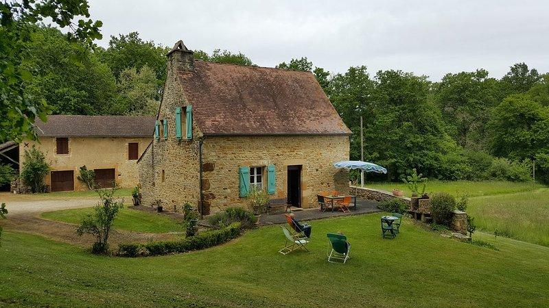 Bernicotte, gite à Cazals dans le Lot  à 4 km de la Dordogne, holiday rental in Montclera