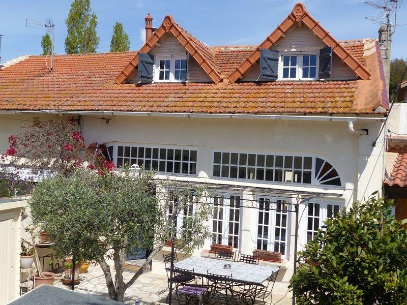 Magnifique Villa, climatisée, 1 mn à pied plage des sablettes, casa vacanza a La Seyne-sur-Mer