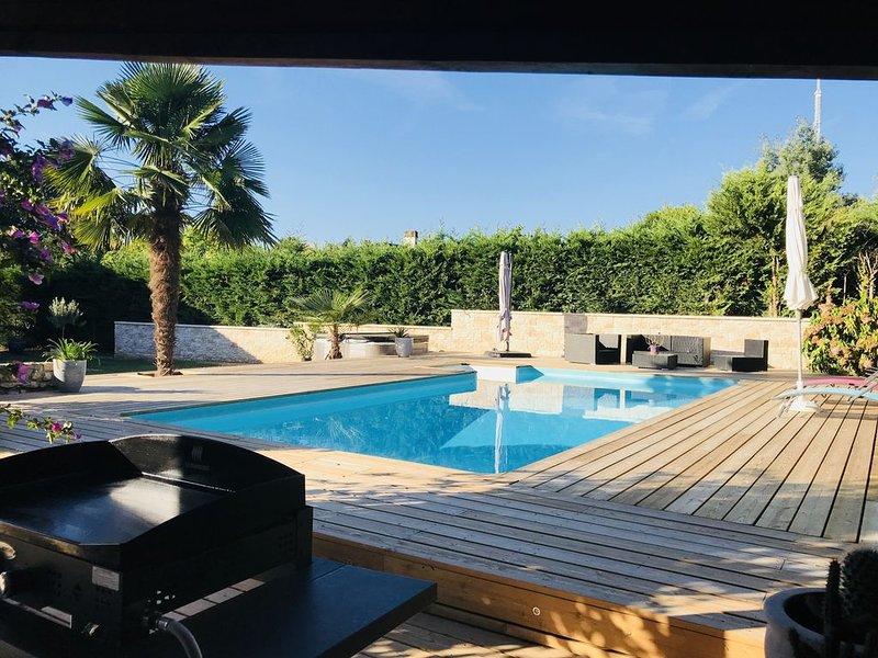 Maison de vacances proche de Bordeaux, casa vacanza a Sadirac
