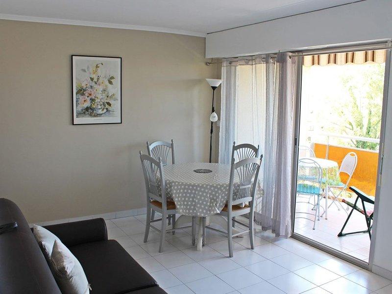 Bel appartement à 400 m de la plage, alquiler de vacaciones en Fréjus