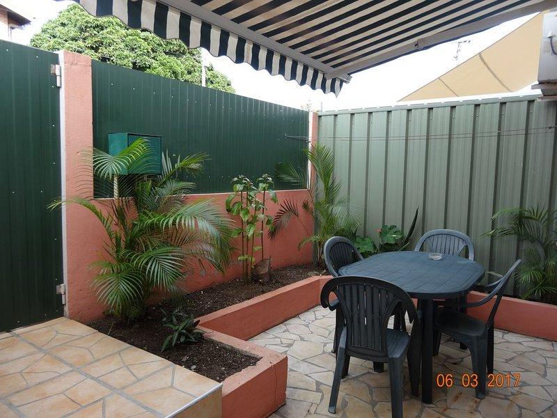 Appartement F2, en Rez de Chaussée., casa vacanza a Nuova Caledonia