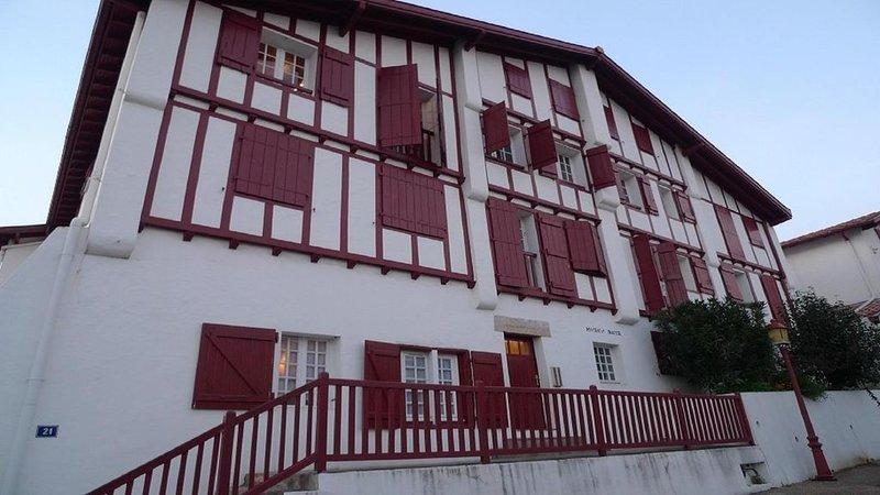 Dans le centre historique de CIBOURE appartement de 35m2, location de vacances à Ciboure