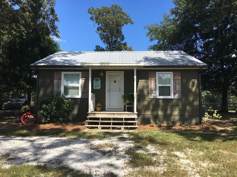 Beaverbrook farm guest cottage, holiday rental in Coker