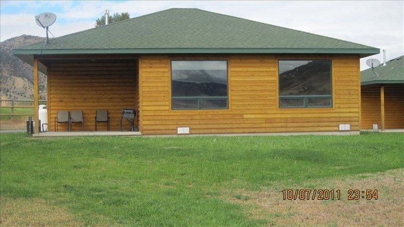 Gardiner Cabin by Yellowstone Park/ Dates Open, location de vacances à Gardiner