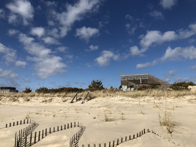 Hamptons Ocent front Beach House, vacation rental in Amagansett