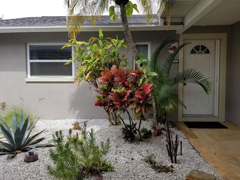 NEW Listing! Serene, Natural Privacy in a Centralized Location, casa vacanza a Oldsmar