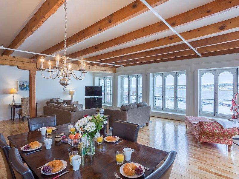 Stunning, Central 3 Bedroom Penthouse, location de vacances à Beaumont