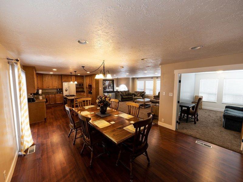 Huge Home in Quiet Neighborhood 3,000+ Sq. Ft., holiday rental in Davis County