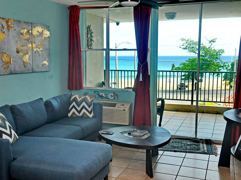 Cielito Del Mar (Little Heaven at Sea) 3bd 2ba Beach Condo, holiday rental in Arecibo