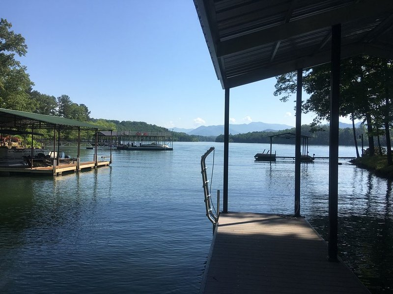 New Home - Lake Front home with private dock on  Lake  Chatuge, Hiawassee GA, vacation rental in Young Harris