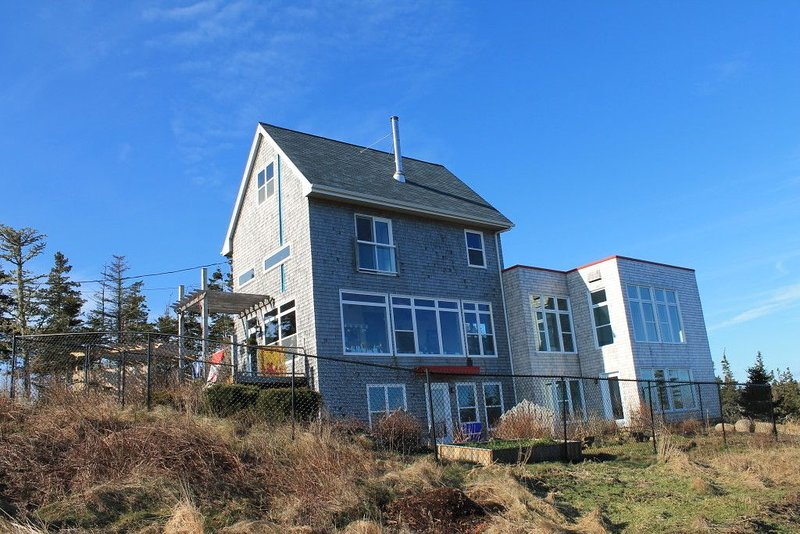 Hirtle Beach House, Kingsburg, NS, holiday rental in Port Medway